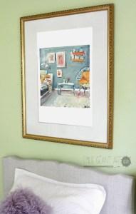 Living-room-cadre-doree-mur-vert